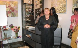 "Larisa Bratchikova, General Manager of the ""O!"" Jewelry Fashion Gallery, and our audience"